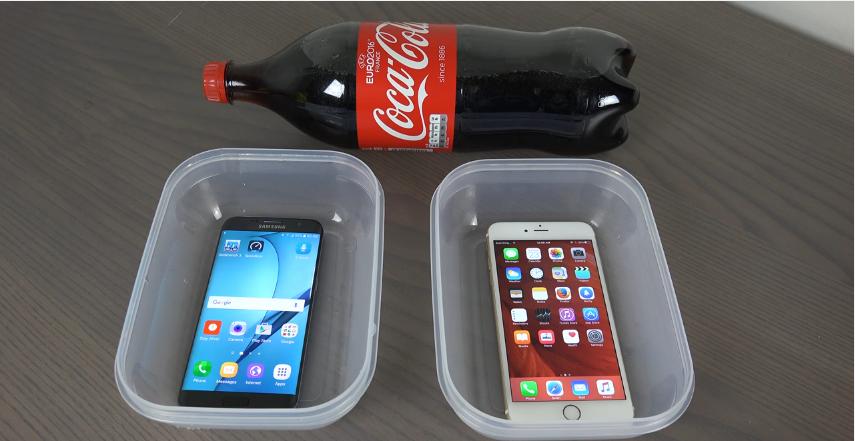 Samsung Galaxy S7 Edge vs. iPhone 6S Di Rendam Coca Cola dan Dimasukkan Kulkas Jadi Apa..-1
