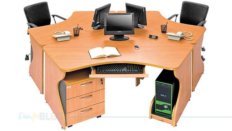 Desain Meja Kantor Masa Kini