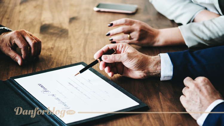 4 Reasons Legal Advice Should Be Left To the Pros